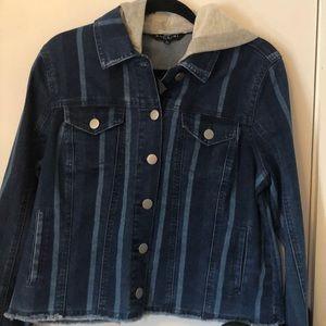 NWT Baccini size Lg blue jean jacket hooded